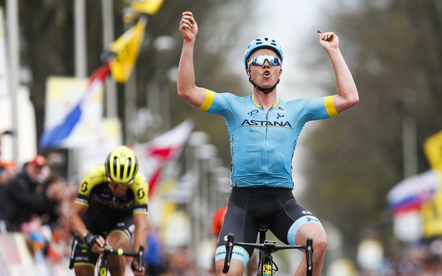 Michael Valgren Andersen (Astana) sorprendió a los favoritos para imponerse en un alarde de fuerza en la Amstel Gold Race (Foto: EFE/EPA/MARCEL VAN HOORN).