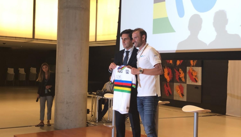 Valverde fue recibido en al sede de Telefónica (Foto: Movistar).