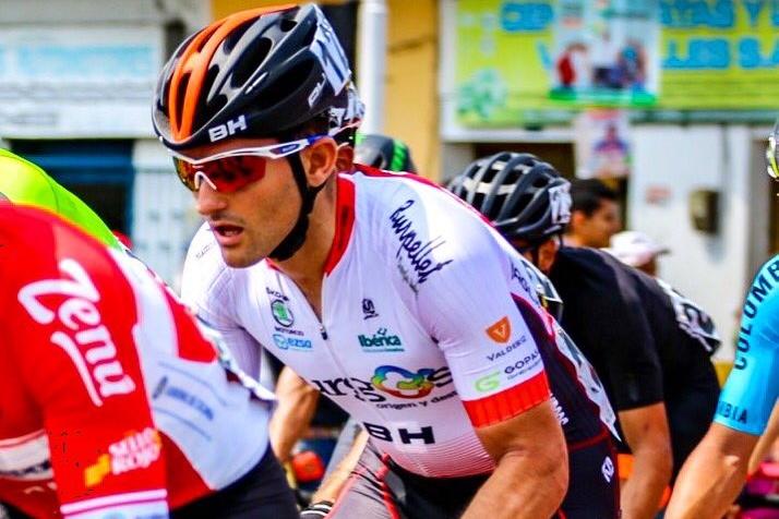 Adrián González cuelga la bicicleta tras no encontrar un equipo profesional con el que competir (Fuente: Twitter).