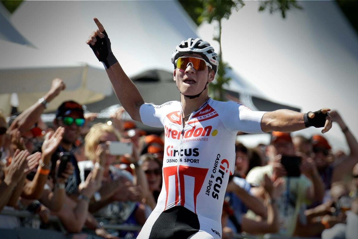 El ciclista holandés Mathieu Van der Poel (Fuente: Twitter).