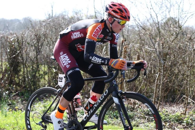 El joven ciclista belga Stef Loos perdió la vida en un accidente de tráfico (Foto: Twitter).