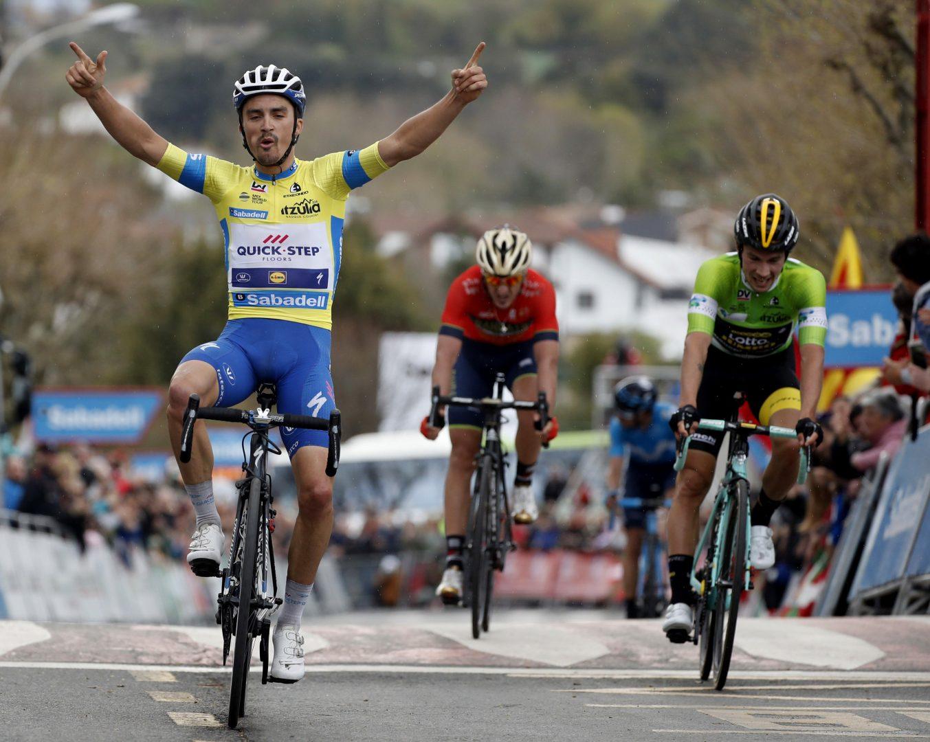 Julian Alaphilippe (Quick-Step), vence en la segunga etapa y es más líder. (Foto: EFE)