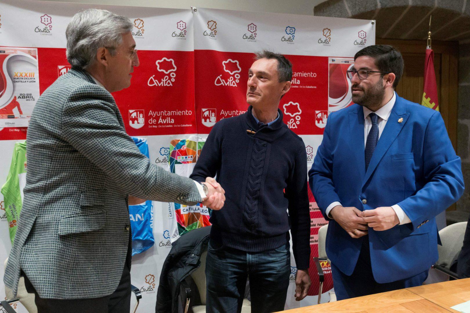 López Cerrón cree en la nueva generación de ciclistas españoles