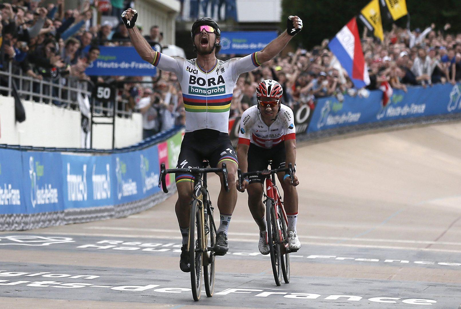Peter Sagan (Bora) logra su primera victoria en la Paris Roubaix (Foto: EFE/EPA/ETIENNE LAUREEN).