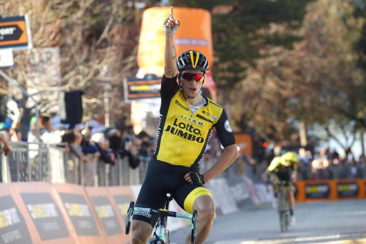 El ciclista esloveno Primoz Roglic, del equipo LottoNL-Jumbo, celebra su victoria en la tercera etapa de la Tirreno Adriático. (Foto: EFE/ Dario Belingheri)