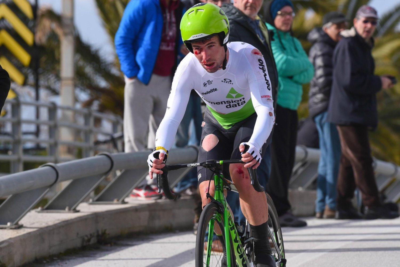 Mark Cavendish tras sufrir una caída (Foto: EFE).