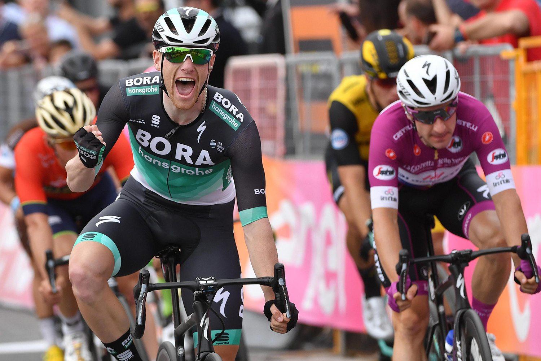 Bennett, de 27 años, sumó su segundo triunfo en el Giro 2018.