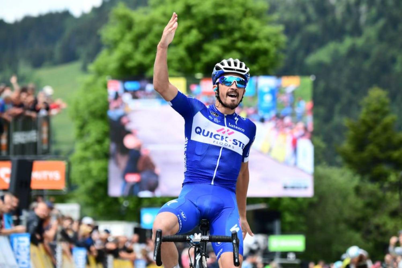 Julian Alaphilippe celebra su victoria en la meta de Vercors (Foto: Dauphiné)