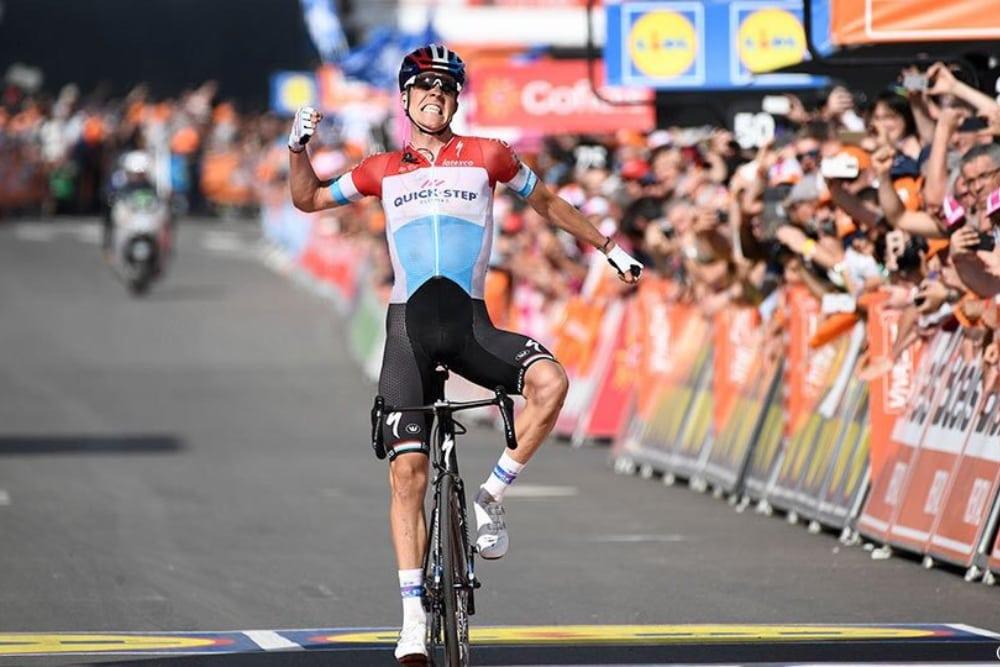 El ciclista belga Bob Jungels con el maillot de Quick-Step (Fuente: Twitter).