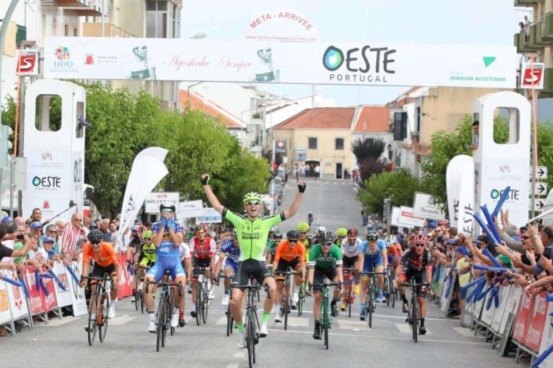 Barthe, apuesta del Euskadi Murias, ha ganadola primera etapa del GP Internacional Torres Vedras y le da al Euskadi la cuarta victoria de la temporada. (Foto: Euskadi Murias)