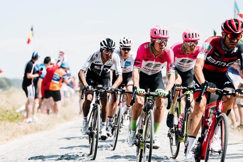 El colombiano Rigoberto Uran en la etapa del pavé del Tour de Francia 2018 (Foto: Education First).