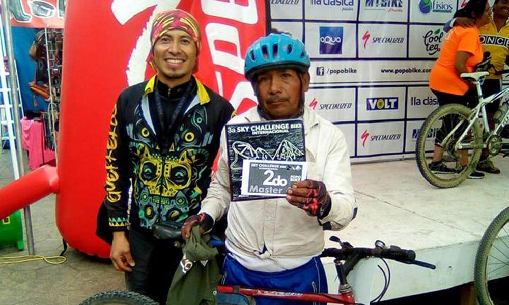 Hoy conocemos la historia de un campesino mexicano que ha hecho del ciclismo su pasión y vocación. Maximiliano Contreras Alcántara.
