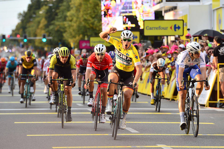 El alemán Pascal Ackermann repite triunfo en la segunda etapa de la Vuelta a Polonia.