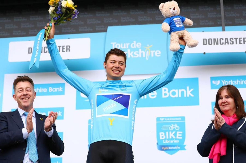 El británico espera seguir creciendo como ciclista en el equipo suizo (Fuente: Getty Images)