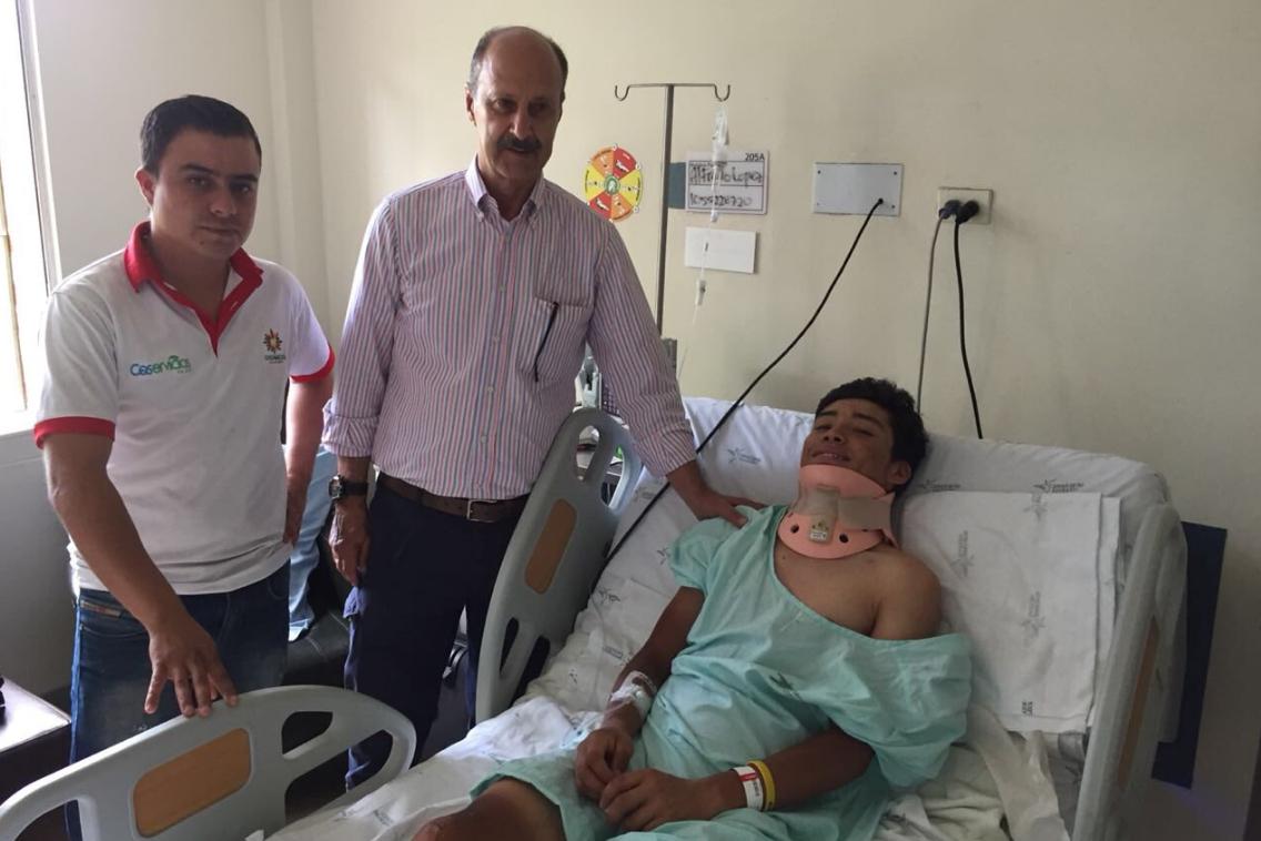 Luis Alfredo López, hermano de Superman López,, durante su instancia en el hospital.