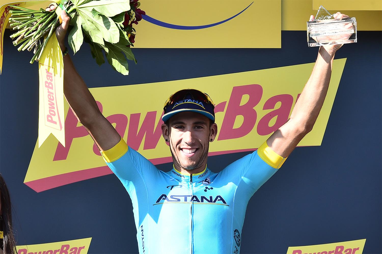 Omar Fraile en lo alto del podio de Mende (Foto: LeTour).