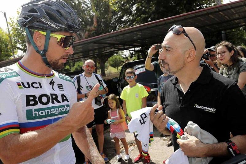 Sagan y el motorista que lo derribó en 2015 se reconcilian en Salamanca.