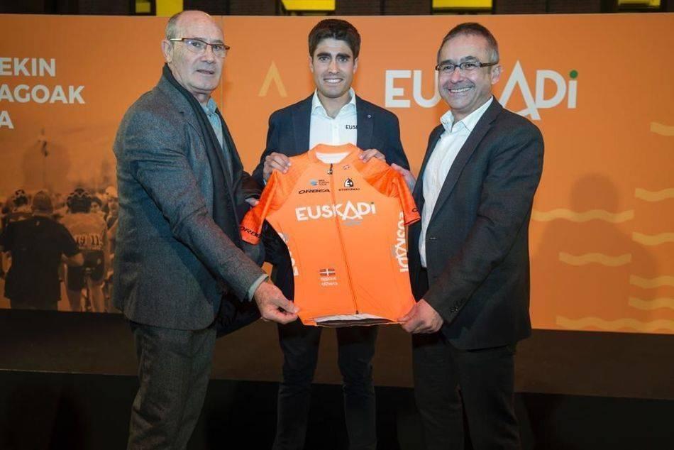 Mikel Landa con el maillot de la Fundación Euskadi (Foto: Twitter).
