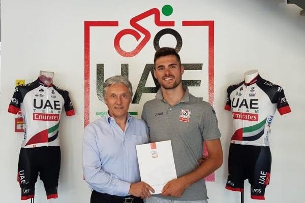 El italiano Oliviero Troia continuará dos años más en el UAE Emirates (Foto: Emirates).
