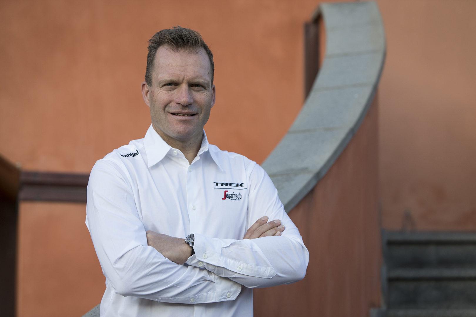 Steven de Jongh, director deportivo del Trek Segafredo de ciclismo.