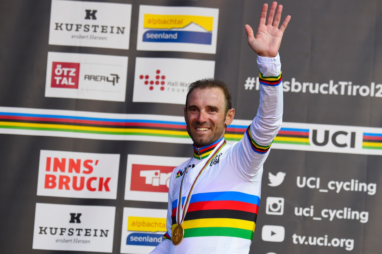 Alejandro Valverde con su maillot arcoíris (Foto: Dario Belingheri / BettiniPhoto).