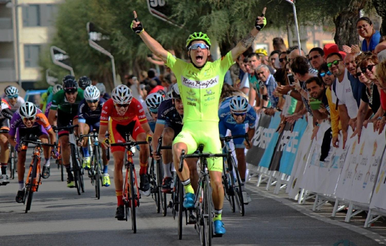 Angulo se impuso en la segunda etapa de la Vuelta a Galicia (Foto: El Pelotón).