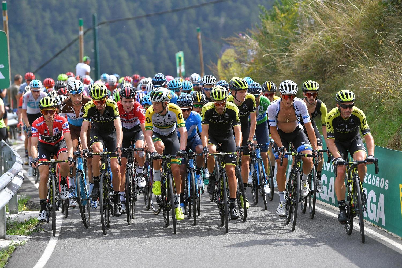 El equipo australiano liderando el pelotón el la última Vuelta a España (Foto: Getty Images).