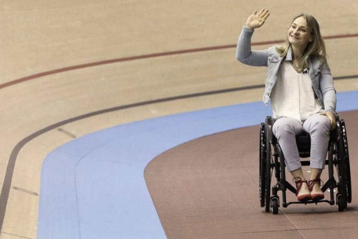 La alemana Kristina Vogel fue homenajeada en Berlín, en una vuelta a la pista histórica, bajo una tremenda ovación.