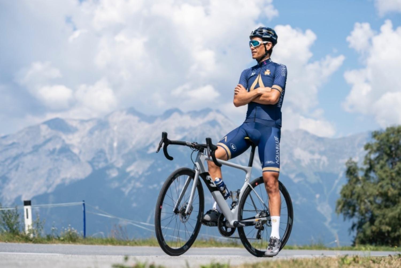 El austriaco con la indumentaria del Aqua Blue Sport (Foto: Stefan Voitl).