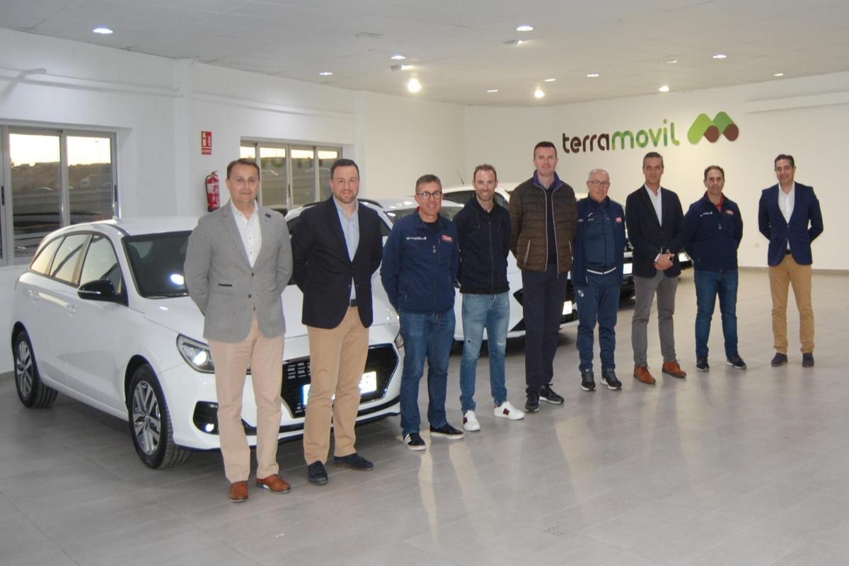 El Valverde Team - Terra Fecundis y la empresa automovilística Terra Fecundis han cerrado el acuerdo de patrocinio por una temporada más en el ciclismo español.
