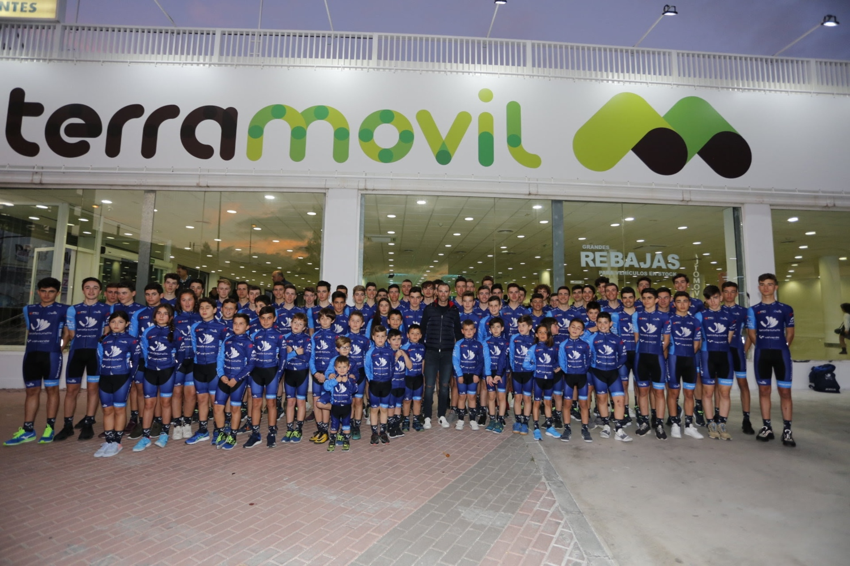Los ciclistas del equipo de Alejandro Valverde.