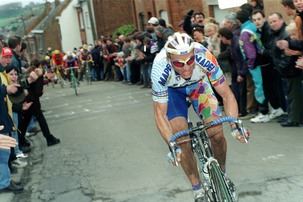 8/4/1998 Tour of Flanders. Johan Museeuw mounts an attack on the Muur van Gerardsbergen. Photo: Offside / Pressepsorts.
