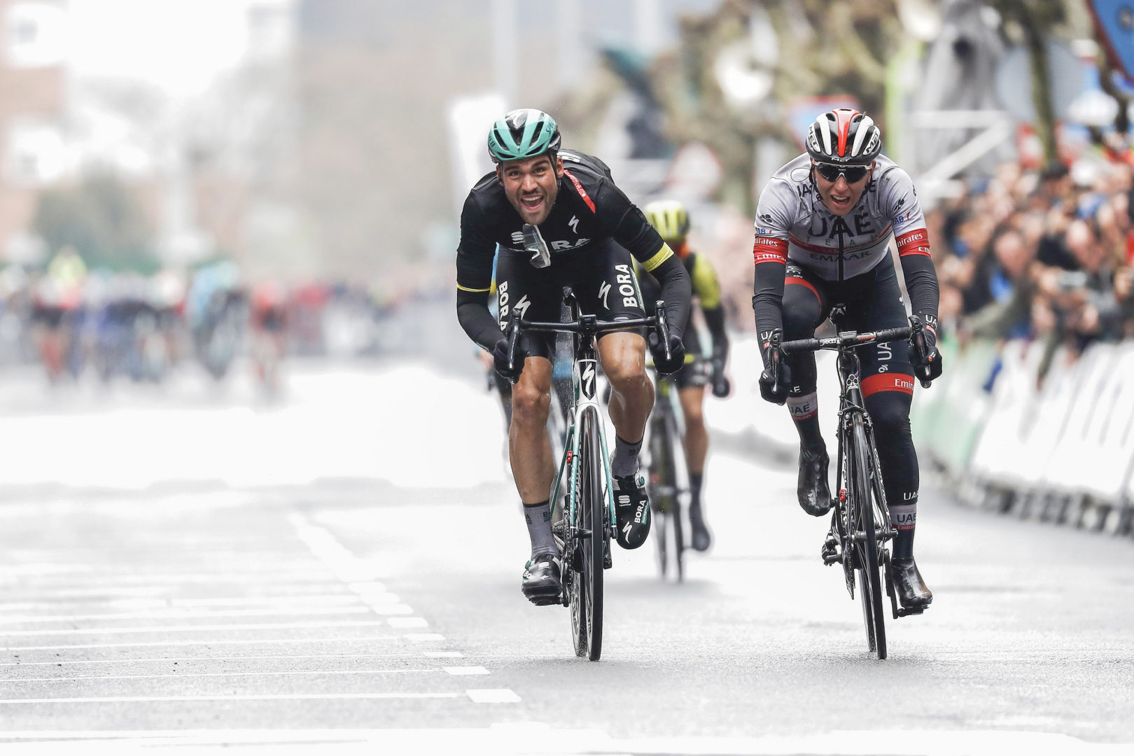 Itzulia Basque Country 2019 - 59th Edition - 4th stage Vitoria Gasteiz - Arrigorriaga 163,6 km - 11/04/2019 - Maximilian Schachmann (GER - Bora - Hansgrohe) - Tadej Pogacar (SLO - UAE - Team Emirates) - photo Luis Angel Gomez/BettiniPhoto©2019