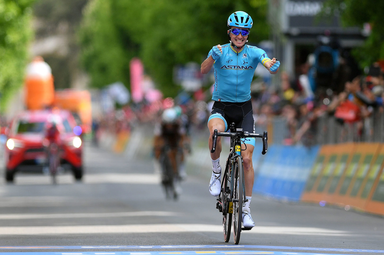 L'AQUILA, ITALY - MAY 17: Arrival / Pello Bilbao of Spain and Astana Pro Team / Celebration / during the 102nd Giro d'Italia 2019, Stage 7 a 185km stage from Vasto to L'Aquila 705m / Tour of Italy / #Giro / @giroditalia / on May 16, 2019 in San Giovanni, Italy.on May 17, 2019 in L'Aquila, Italy. (Photo by Justin Setterfield/Getty Images)