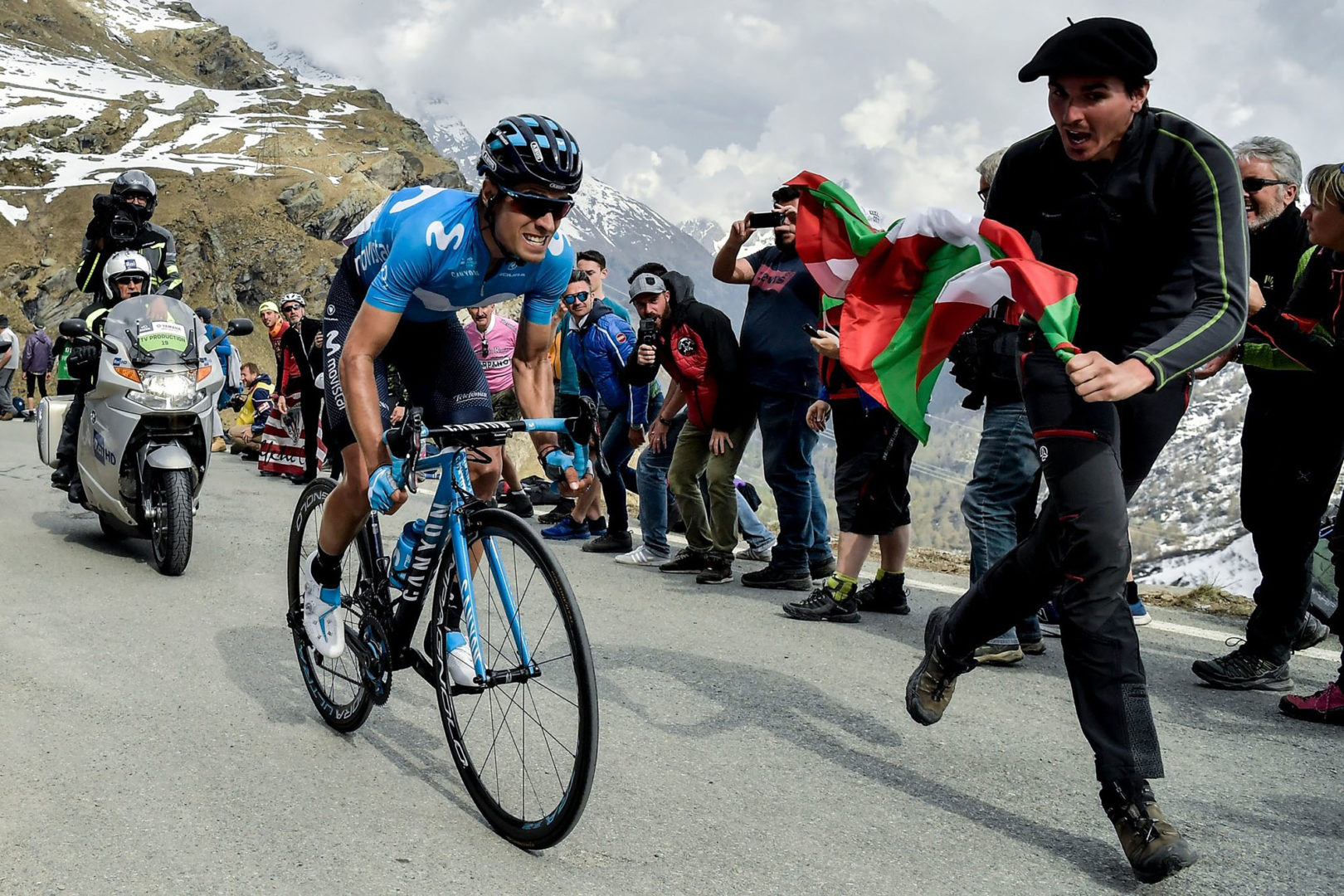 Foto Marco Alpozzi / LaPresse 24 Maggio 2019 Pinerolo (Italia) Sport Ciclismo Giro d'Italia 2019 - edizione 102 - tappa 13 da Pinerolo a Ceresole Reale (Lago Serrù)  km 196 Nella foto: LANDA MEANA Mikel(ESP)(MOVISTAR TEAM)Photo Marco Alpozzi / LaPresse May 25, 2019 Pinerolo (Italy) Sport Cycling Giro d'Italia 2019 - 102th edition -  stage 13 From Pinerolo to Ceresole Reale (Lago Serrù) In the pic: LANDA MEANA Mikel(ESP)(MOVISTAR TEAM)