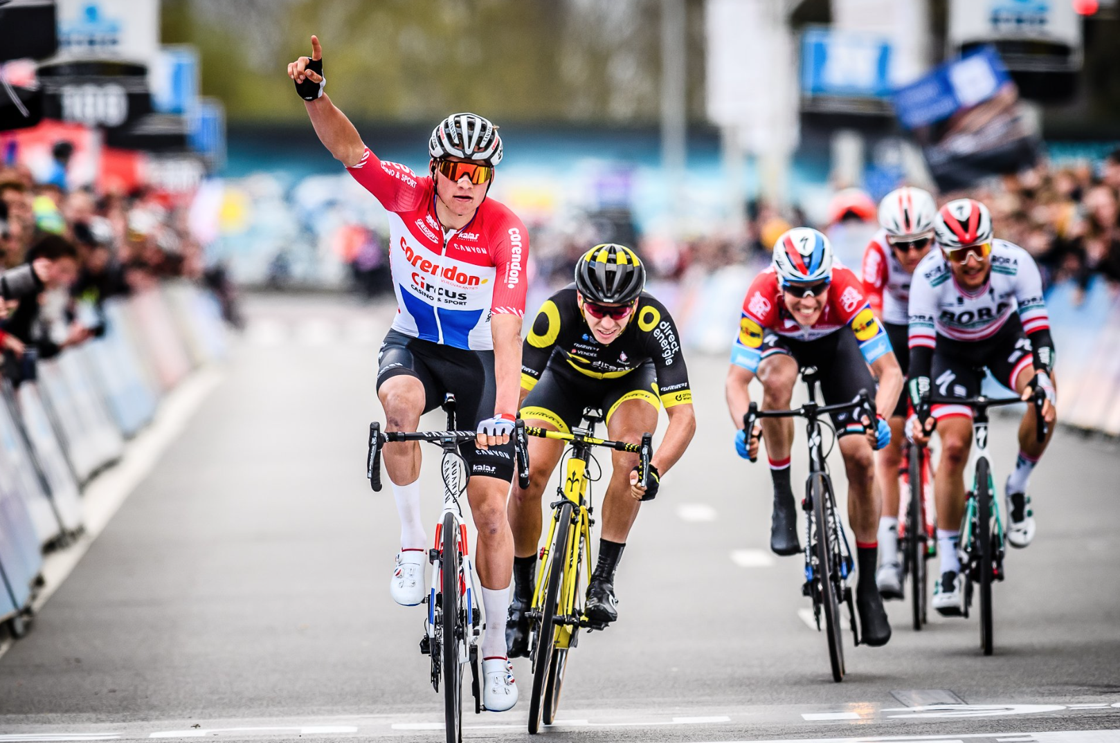 Van der Poel tiene muy difícil estar en La Vuelta 2020.