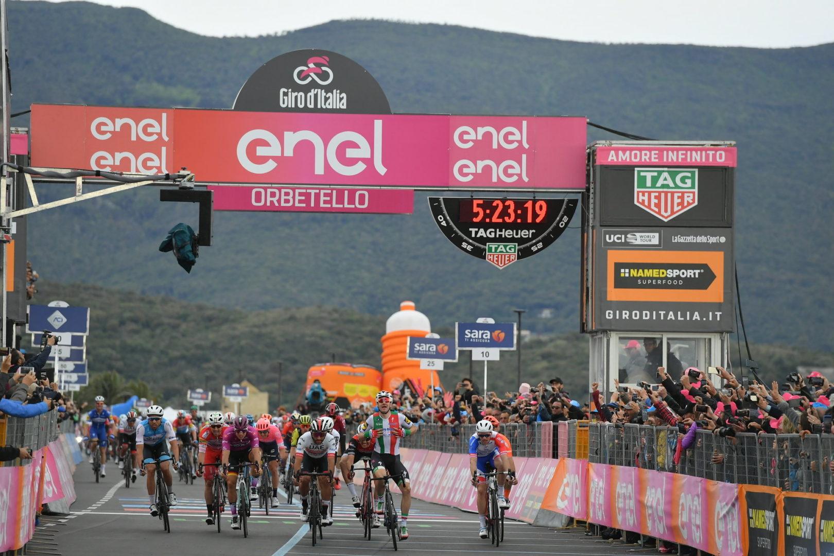 Gaviria ganó gracias a la descalificación de Vivviani.