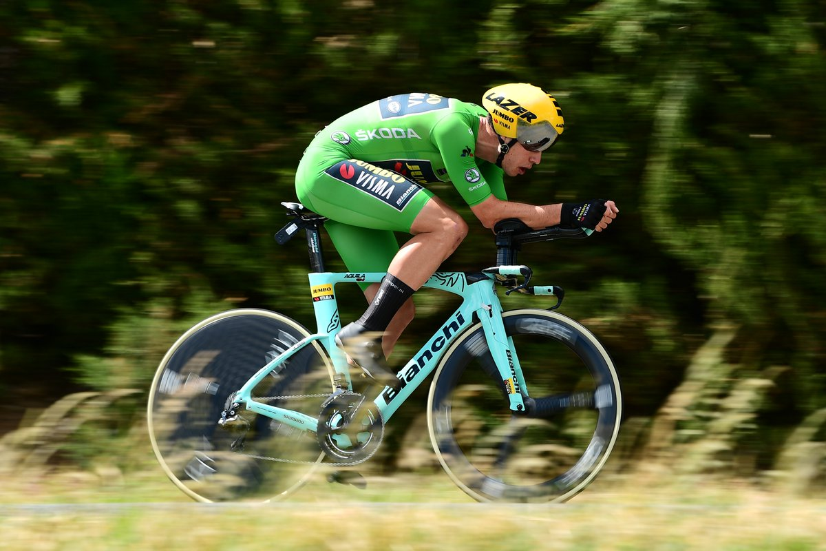 Van Aert ganó la cuarta etapa de Dauphiné.