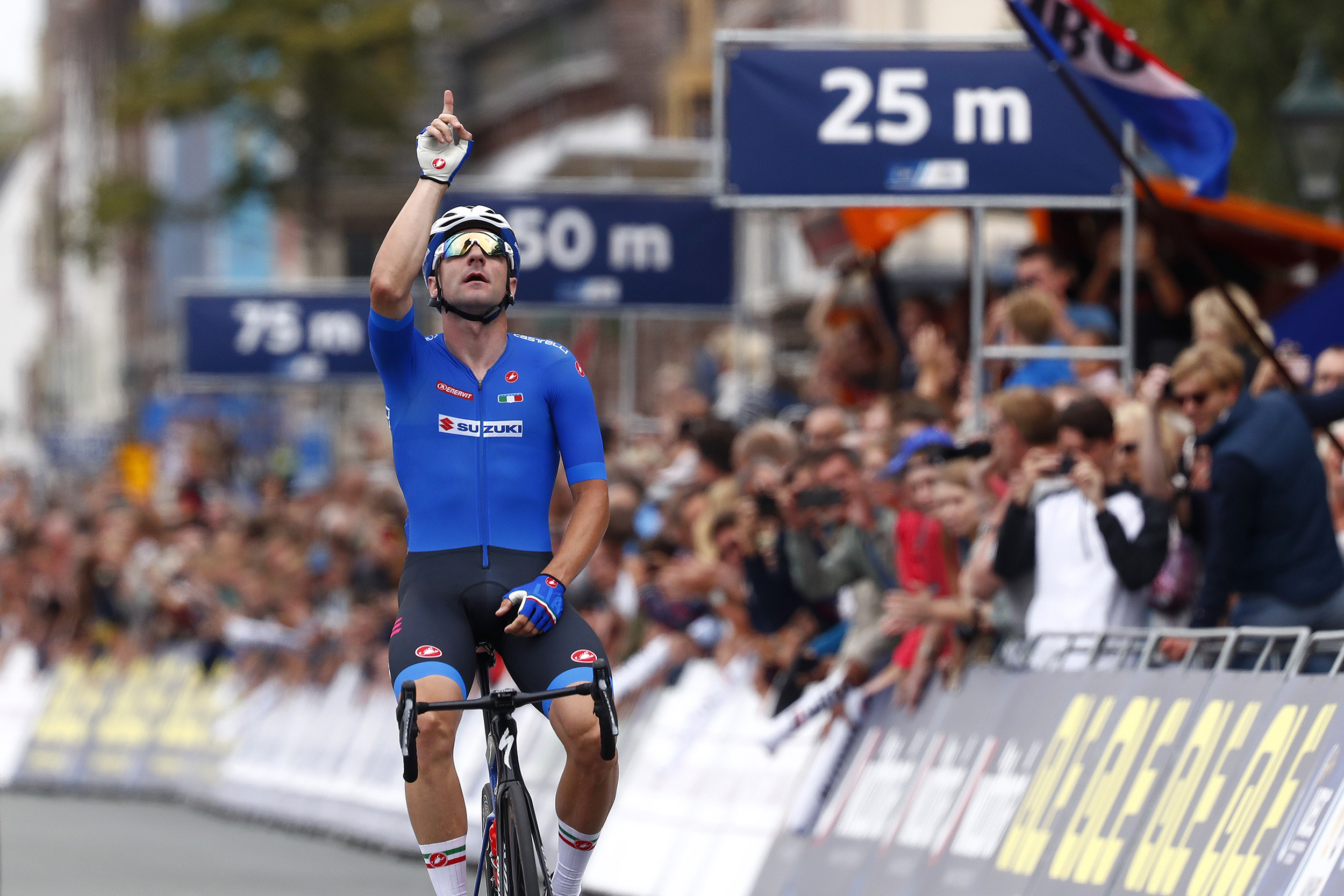 ALKMAAR, NETHERLANDS - AUGUST 11: Arrival / Elia Viviani of Italy / Celebration / during the 25th UEC Road European Championships 2019 - Elite Men's Road Race a 172,6km race from Alkmaar to Alkmaar / #EuroRoad19 / on August 11, 2019 in Alkmaar, Netherlands. (Photo by Bas Czerwinski/Getty Images)