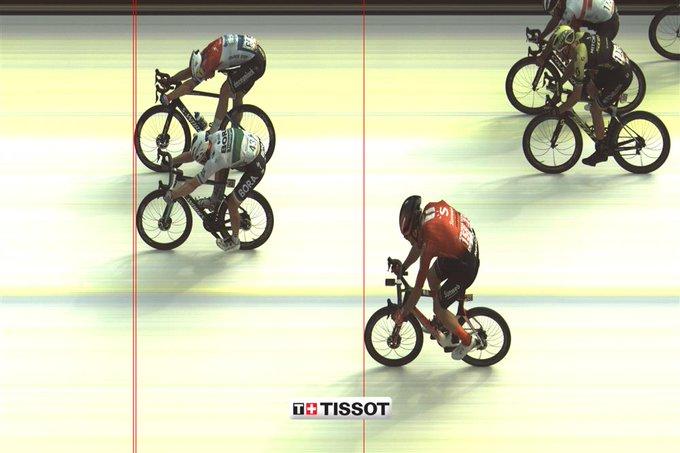 Jakobsen ganó la cuarta etapa de la Vuelta a España.