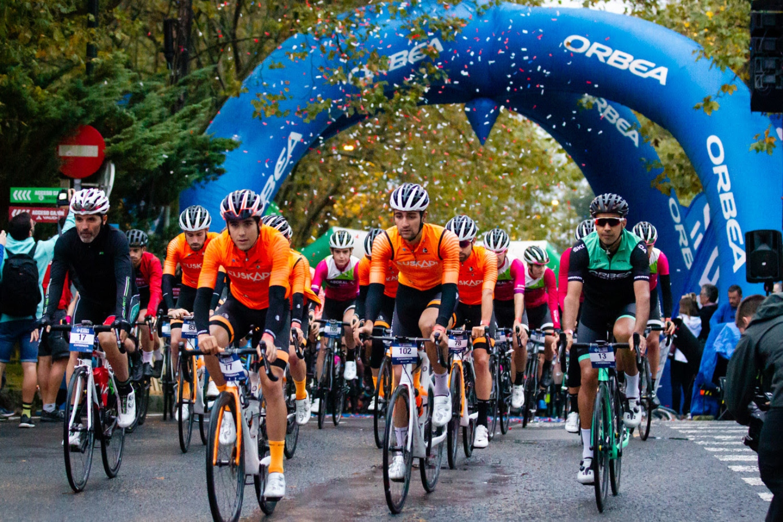La primera edición de la Orbea Klasika Bilbao-Bizkaia acoge a más de 1200 ciclistas