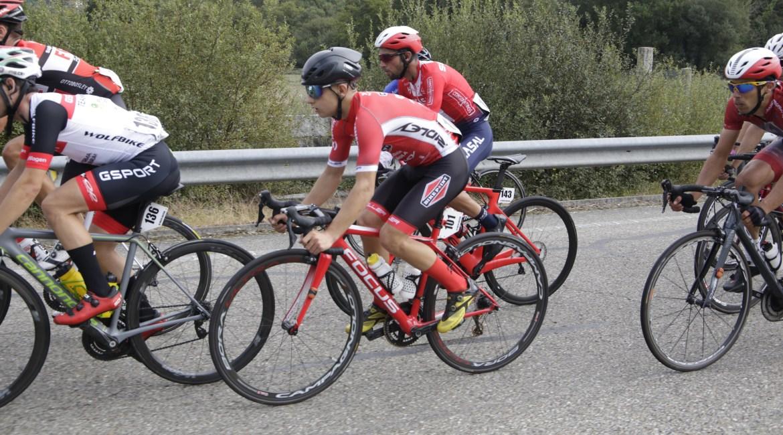 El Pelotón Tenerife sigue completando su plantilla y ya cuenta con 10 corredores.