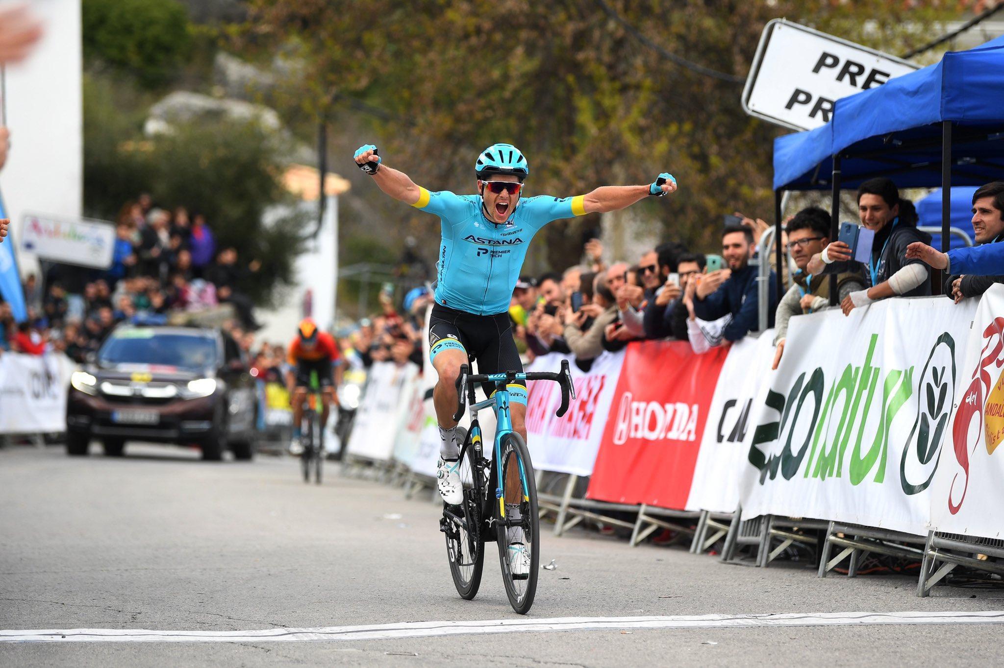 Jakob Fuglsang se impuso en la primera etapa de la Vuelta a Andalucía.