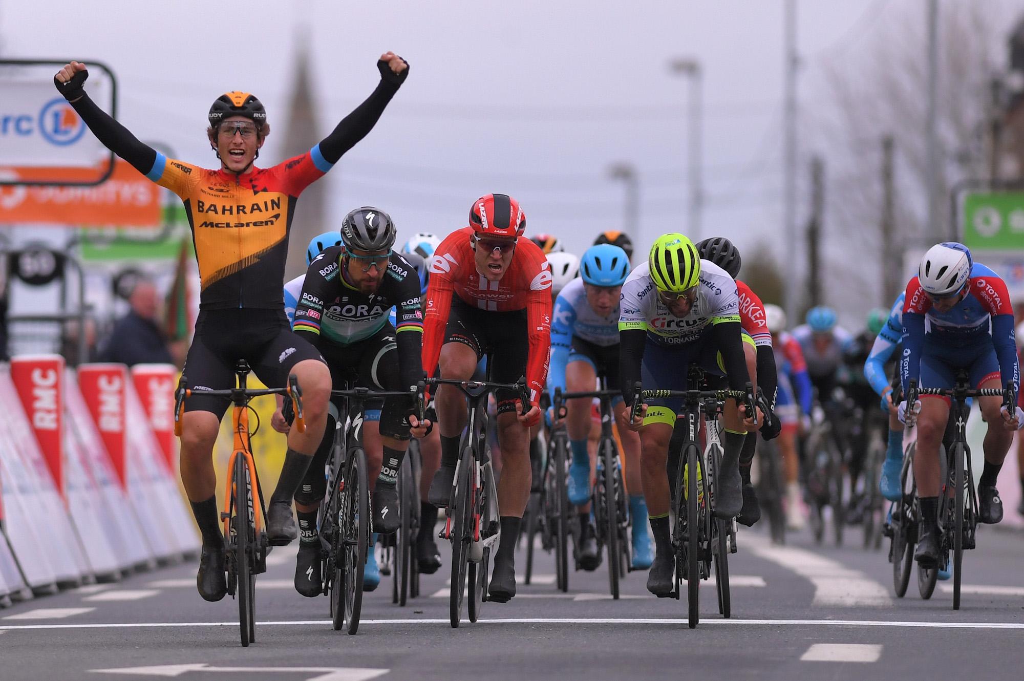 Iván García Cortina ganó la tercera etapa de la París - Niza.