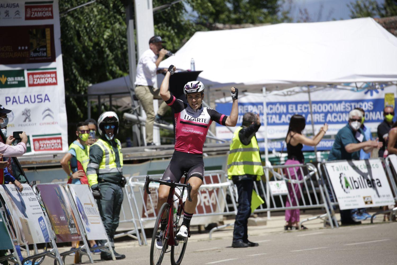 Raúl García Pierna (Equipo Lizarte) ha estrenado su palmarés como sub23 tras vencer en la última etapa de la Vuelta a Zamora.