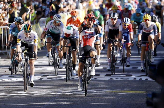 Caleb Ewan ganó la tercera etapa del Tour de Francia 2020.