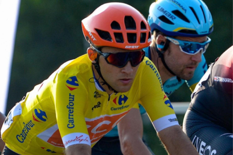 Kamil Małecki, con el maillot de líder de la Vuelta a Polonia 2020