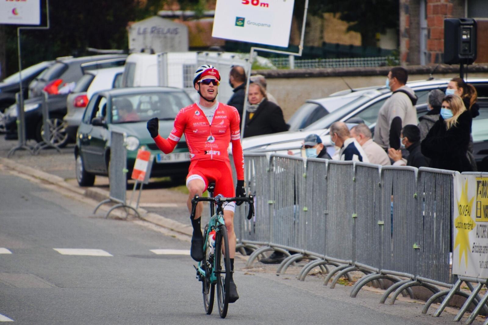 Nicolas Prodhomme ficha por el AG2R (C. Monier).