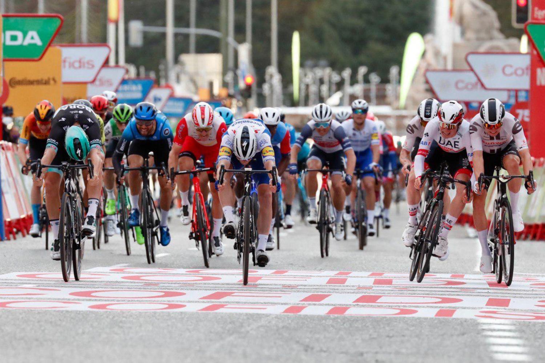 Pascal Ackermann ganador de la última etapa de La Vuelta 2020