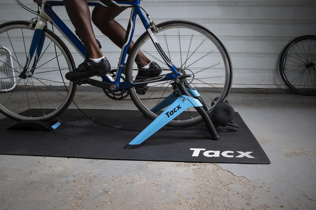 Garmin lanza Tacx® Boost, un nuevo rodillo de entrenamiento